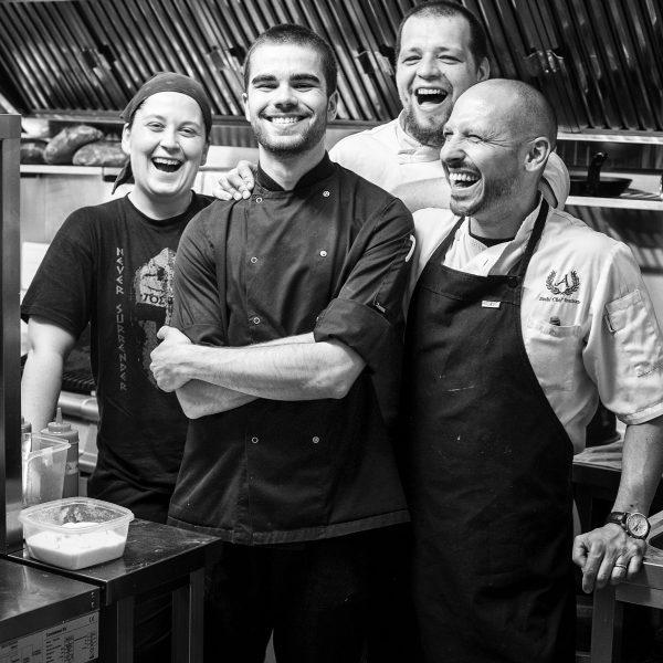 Zagreb i PlesevicaVecere u restoranima Mano 2, Noel i Nav, te posjeta Plesevici,vinarima Korak i TomacFoto za RNB festival: Mario Kučera